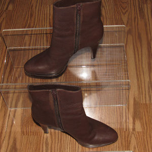 BANANA REPUBLIC Leather Ankle Heel Booties Boots 7